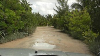 mahahual-beach-road-3