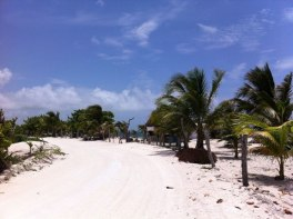 mahahual-beach-road